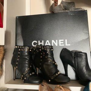 CHANEL Bags - Chanel XL Jumbo GST SHW
